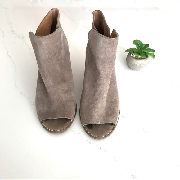 35c6987302cf Lucky Brand Shoes - Lucky Brand Jezzah tan suede peep toe wedge bootie
